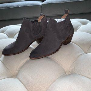🤠 BASS Women's booties 🤠